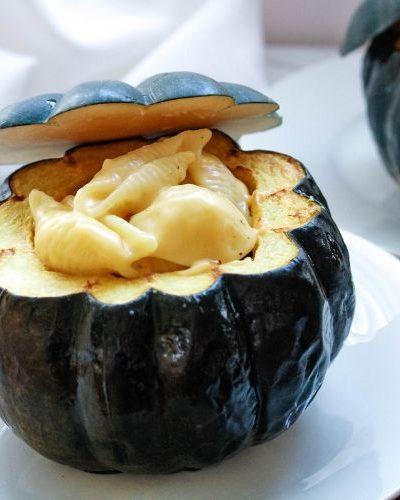Mac and Cheese Stuffed Acorn Squash