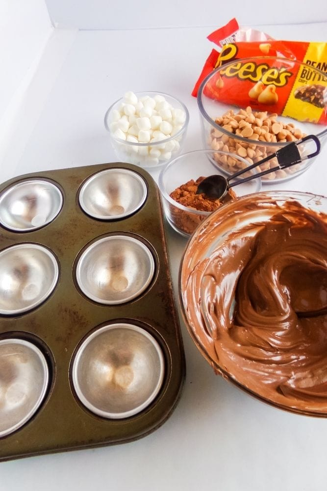 Picture of ingredients and chocolate melted in a bowl