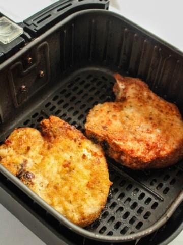 Cooked Bone-in pork chops in air fryer