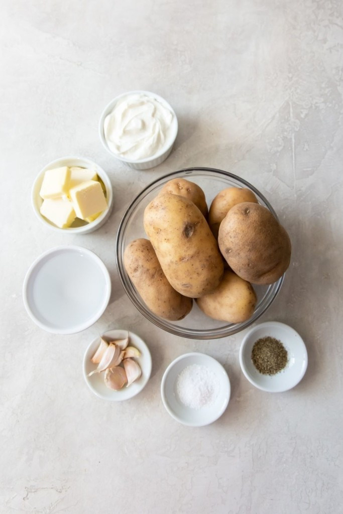Picture of all ingredients of recipe in bowls unprepared