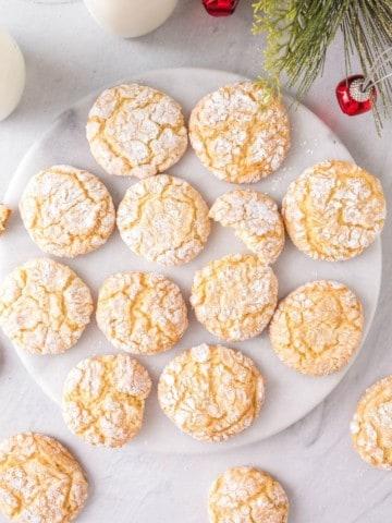 plate full of delicious vanilla crinkle cookies